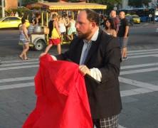 Budapesti beszámoló a Kvazár Akciószínház előadásáról az alacsony bérek éjszakáján