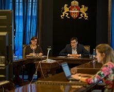 Kollektív szerződéssel építi vissza kulturális dolgozói közalkalmazotti jogait a Főváros